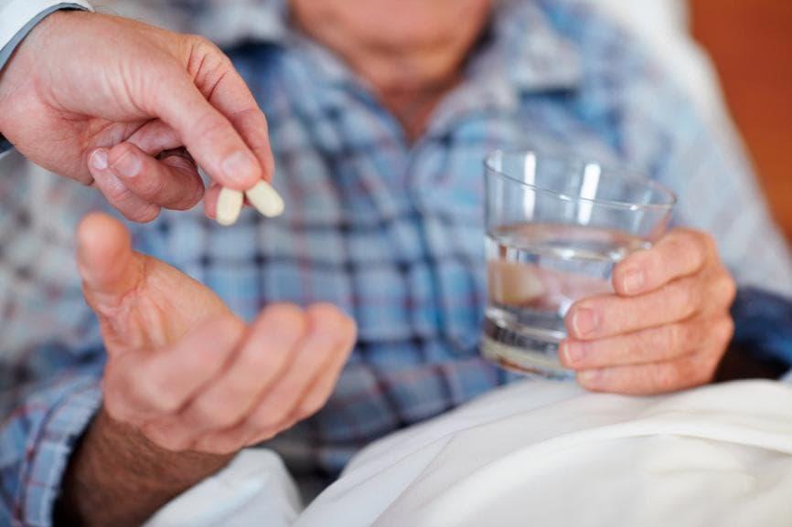 Бронхит у взрослых - лечение и симптомы. Чем лечить обструктивный (хронический и острый) бронхит у взрослого больного? Антибиотики, массаж и другие лекарства