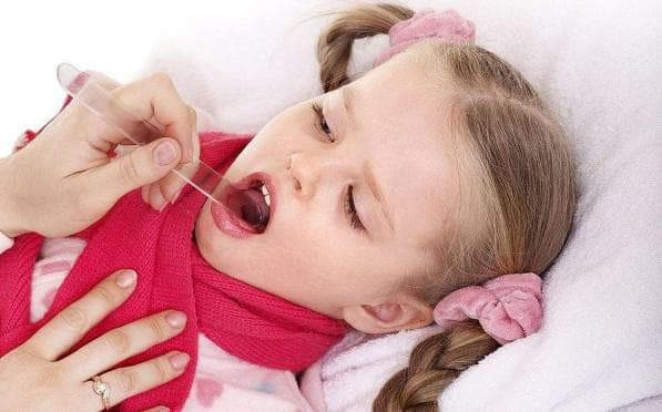 Белые точки на миндалинах: у ребенка и взрослого. Лечение