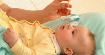 закапывание носа новорождённого каплями називин