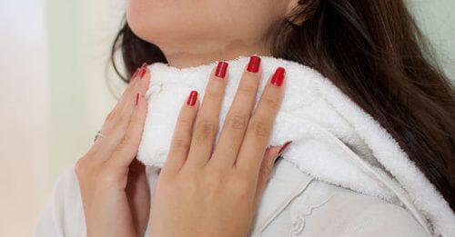 горячий компресс для горла