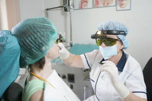 Лечение тонзиллита лазером в Москве