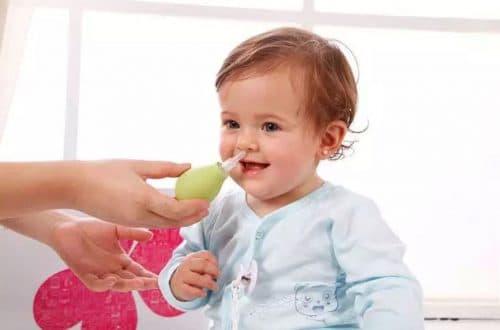 промывание носа ребёнка физиораствором