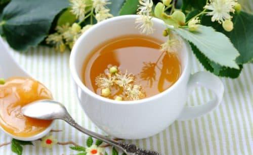 липовый чай с добавлением меда