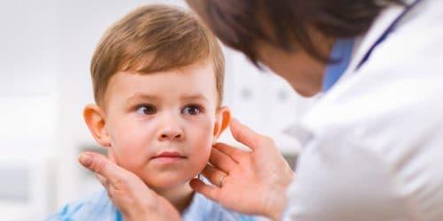 Острый тонзиллит у ребенка: симптомы, лечение (фото)