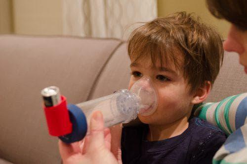 Ингаляции с содой в небулайзере: как сделать содовый раствор и как дышать