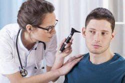 прогревание уха при среднем отите