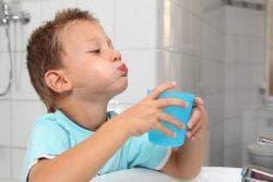 полоскание ребёнку горла