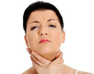 боль в горле слева отдающая в ухо