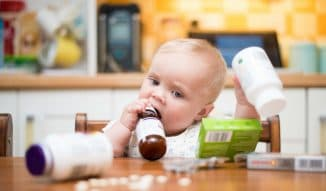 принятие лекарства ребёнком