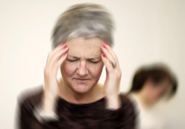 Кашель на нервной почве: симптомы и лечение