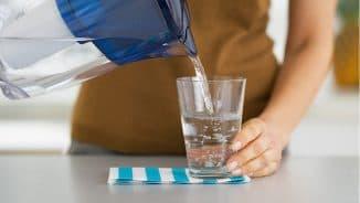пить воду при заложенности