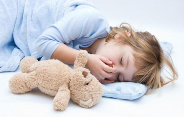 Ребенок кашляет когда ложится спать комаровский