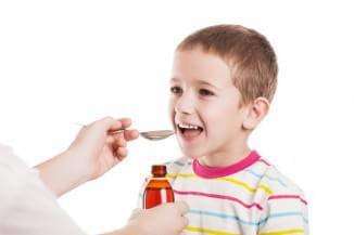 ребёнок употребляет геделикс сироп