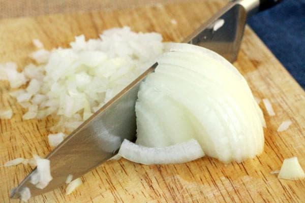 лук порезанный при лечении ринита