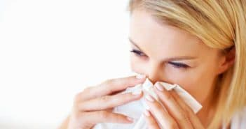Кровяные, сухие, желтые корки в носу: причины и лечение