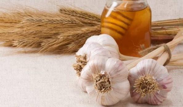 чеснок и мёд при фарингите у беременной