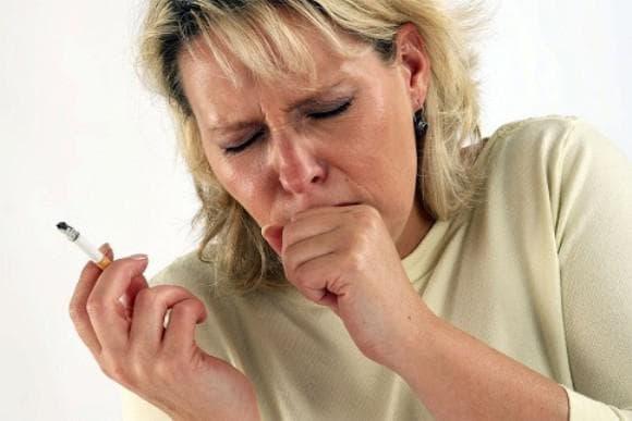 кашель во время табакокурения