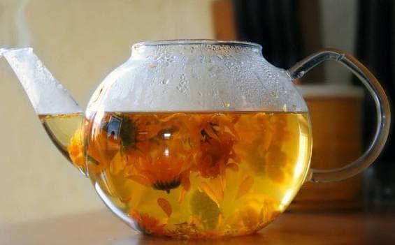 зелёный чай и цветки гвоздики для полоскания горла