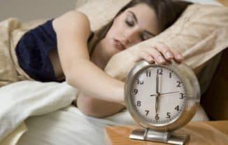 соблюдать режим сна