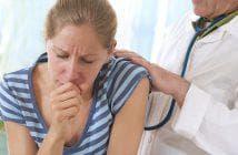 в горле душит кашель