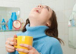 полоскание горла физраствором