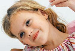 закапывание ушей детям