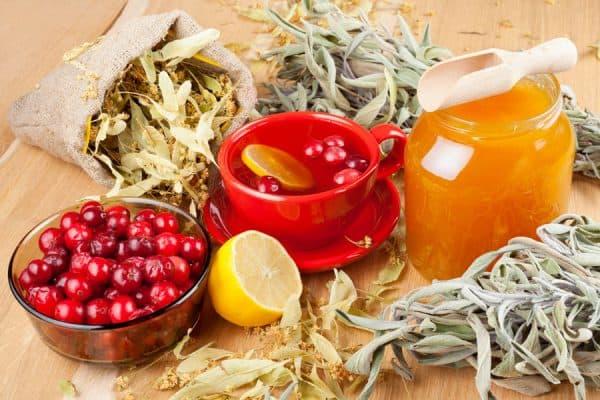 травяной чай с луком и медом