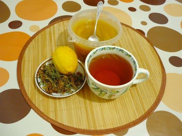 чай с лимоном и медом